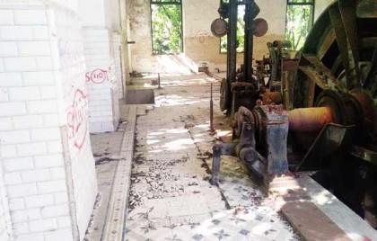 Expolian, aprovechando el confinamiento, la casa de máquinas del Pozo Herrera 1 de Sahelices de Sabero