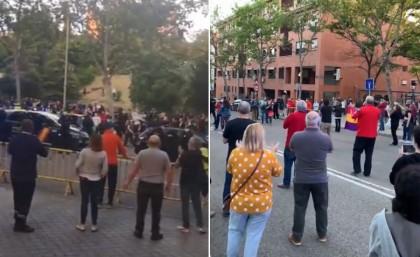 Los vecinos de Vallecas rodean y plantan cara a los ultras de las cacerolas