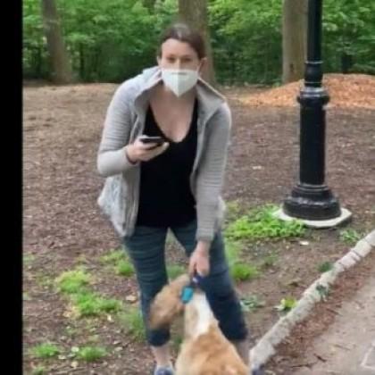 Una denuncia racista de una mujer blanca en Central Park se vuelve viral y desata la indignación