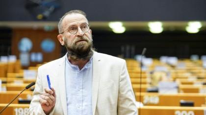 """El anfitrión de la orgía de Bruselas culpa a orgías rivales de dar el chivatazo para """"atraer a más hombres"""""""