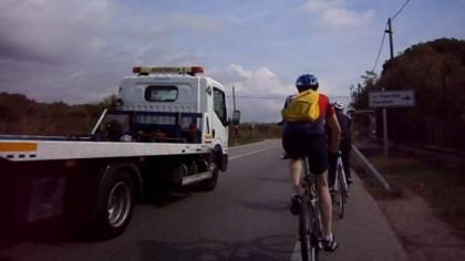 Cambian las normas para adelantar a los ciclistas en la carretera: así deberás hacerlo a partir de ahora