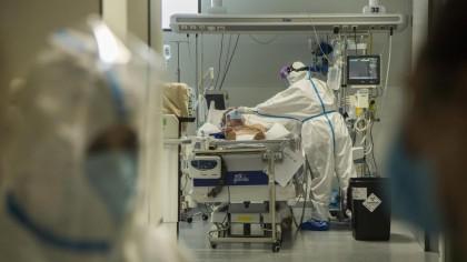 Las UCI, de nuevo en estado crítico:  Son pacientes muy graves: de 20 años a muy mayores