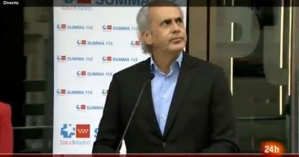 """""""¡Sanidad pública, no privada!"""": El grito que ha dejado con esta cara al consejero de Salud de Madrid"""
