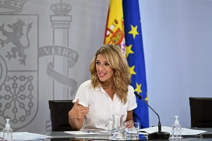 """Yolanda Díaz: """"No podemos tener a jóvenes con contratos de 476 euros, eso habla muy mal de las empresas españolas"""""""