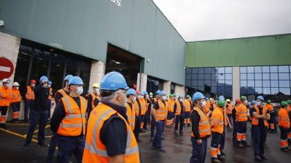 Un alto directivo danés de Vestas a los 115 trabajadores de Viveiro: «Sois muy buenos y tenemos beneficios, pero cerramos la fábrica»