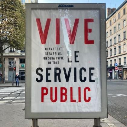 """La campaña en Francia que triunfa en las redes: """"Cuando todo sea privado, estaremos privados de todo. Viva el servicio público"""""""